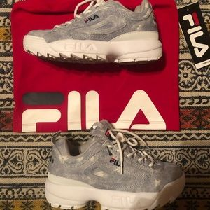 Fila shoes and top! Make me an offer!